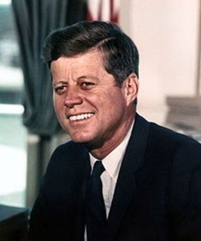 http://s3.timetoast.com/public/uploads/photos/3058902/220px-John_F._Kennedy__White_House_color_photo_portrait.jpg?1351094040